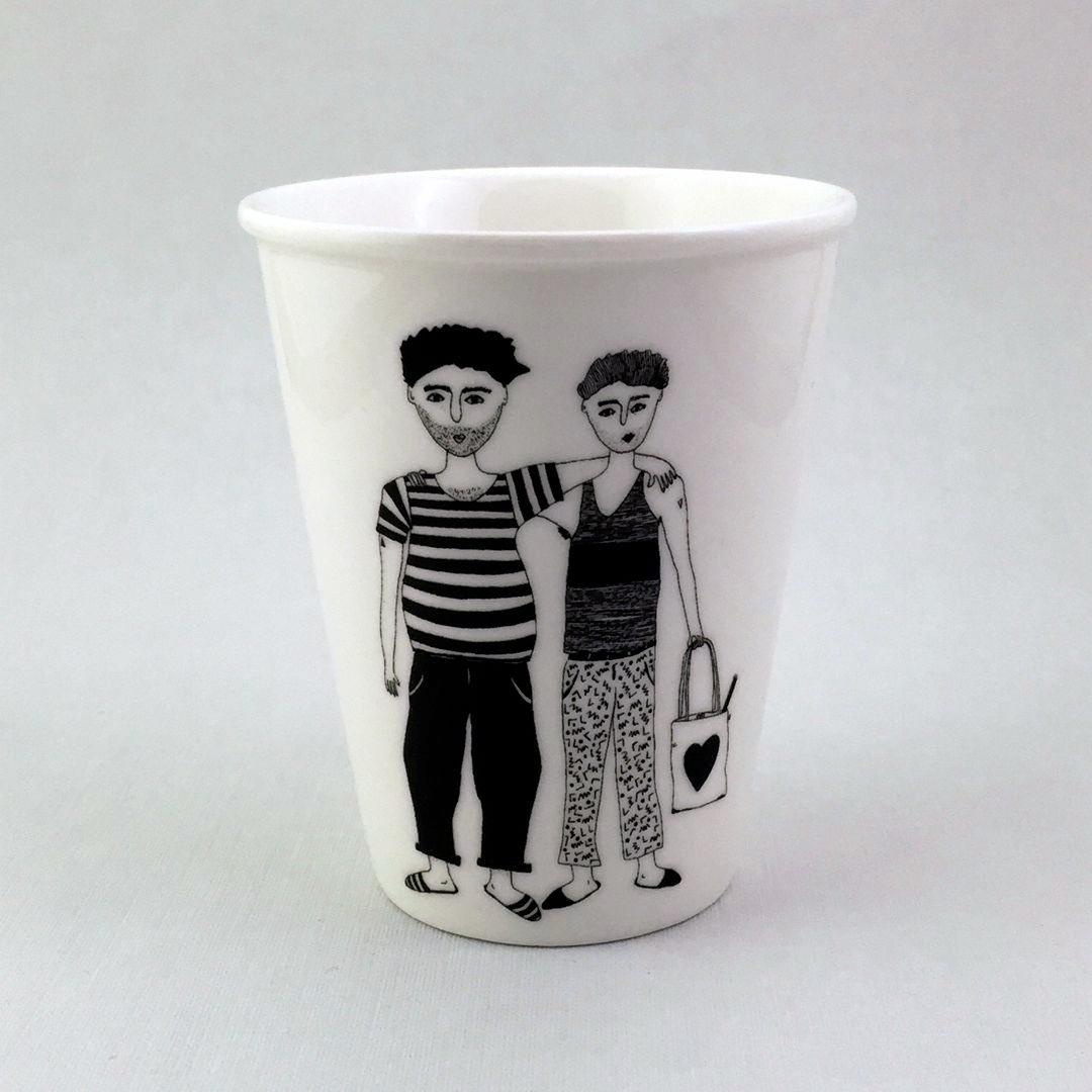 Taza cerámica ilustrada dous rapaces