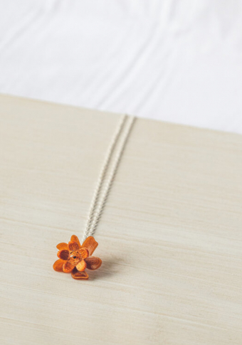 Colgante prata flor cobre