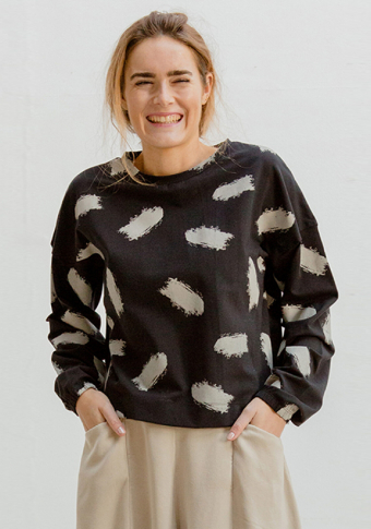 Camiseta estampada brochas manga longa