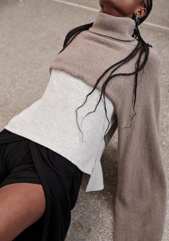 Pantalón abertura central goma cintura