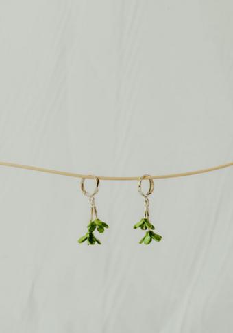 Pendentes aro 2 flores verde