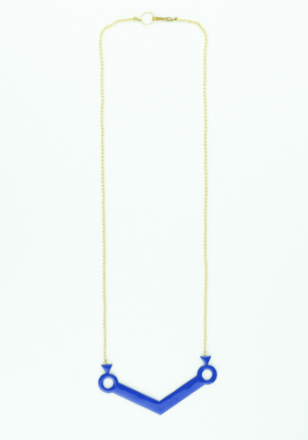 Colgante triángulo  esmalte azulón