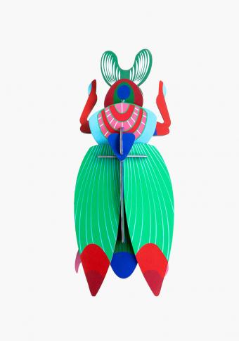 Escaravello xigante cartón reciclado tintas vexetais.