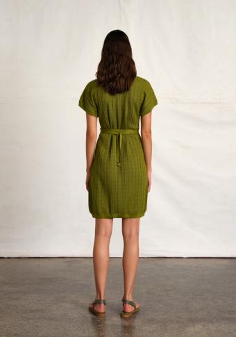 Vestido cruzado cinto manga curta encaixe detalle punto de canalé