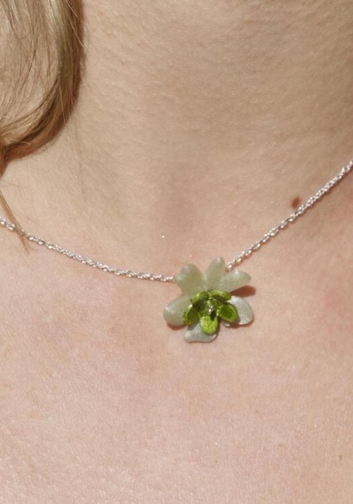 Colgante prata flor verde