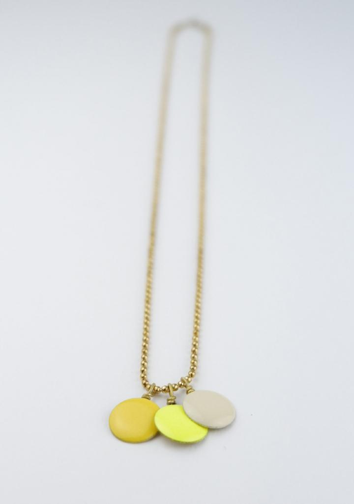 Colgante 3 círculos esmalte  crema, amarelo flúor, amarelo